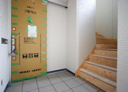 岡山大学の近くメゾンブランシェの玄関です